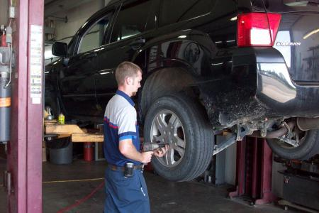 Truck service 020